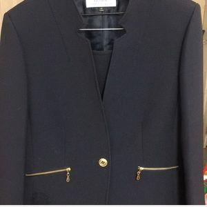 Tahari woman's Navy Suit
